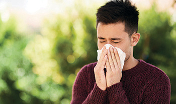 Asthma and allergies often occur together. The same substances that trigger hay fever (also known as allergic rhinitis) such as pollen, dust mites and pet dander might also cause asthma symptoms.