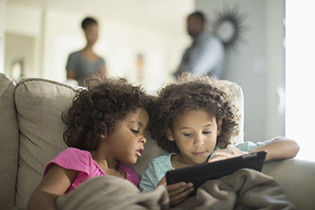 gettyimages605764617_kids_playing_video_games_350