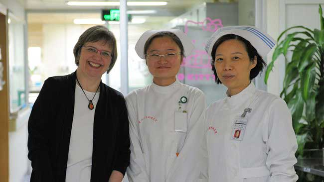 NancyThompsonGuangzhouSunYatSenCancerCenter20